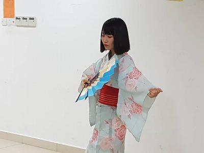 日本舞踊を披露!